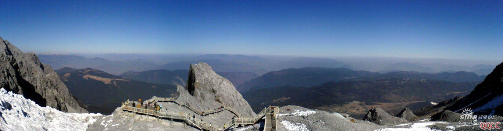 圖片:麗江玉龍雪山頂遠眺全景圖