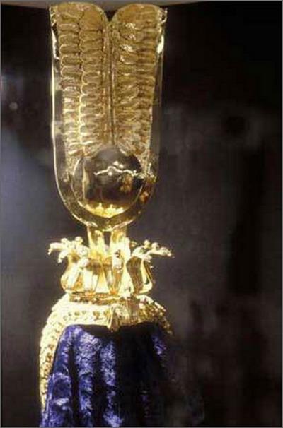 圖片:埃及艷後克利奧帕特拉的王冠