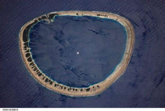 國際空間站十佳地球圖片:環礁項圈