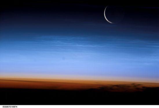 國際空間站十佳地球圖片:彎月驚現地表