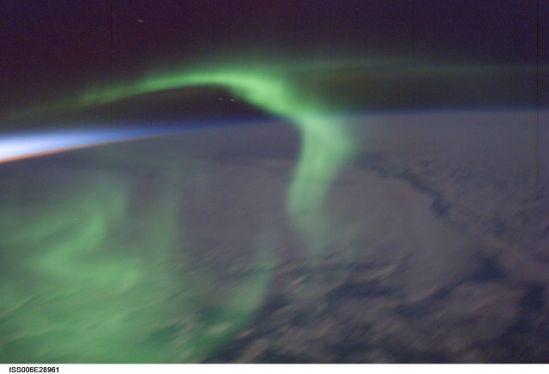 國際空間站十佳地球圖片:綠色極光獨舞