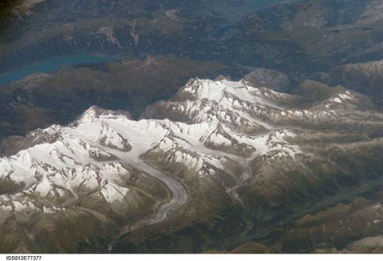 國際空間站十佳地球圖片:冰雪阿爾卑斯山