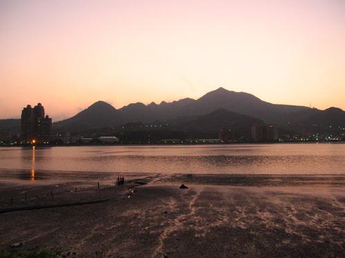 台灣旅遊景點圖片:台北淡水金色水岸