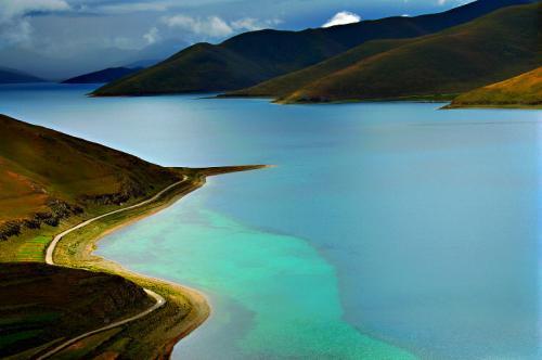 西藏聖湖風光:羊卓雍措圖片