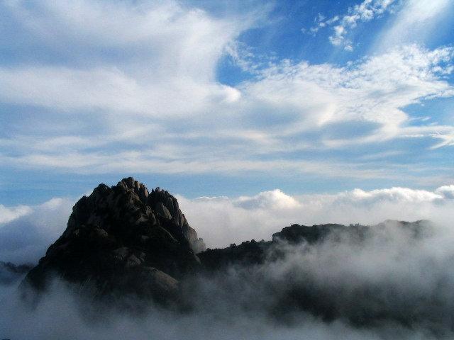 中國安徽黃山旅遊圖:黃山雲海