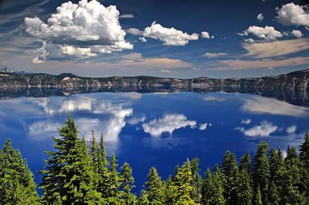 美國火口湖:世界最清澈的湖泊