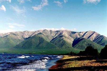 俄羅斯貝加爾湖:世界最深最古老湖