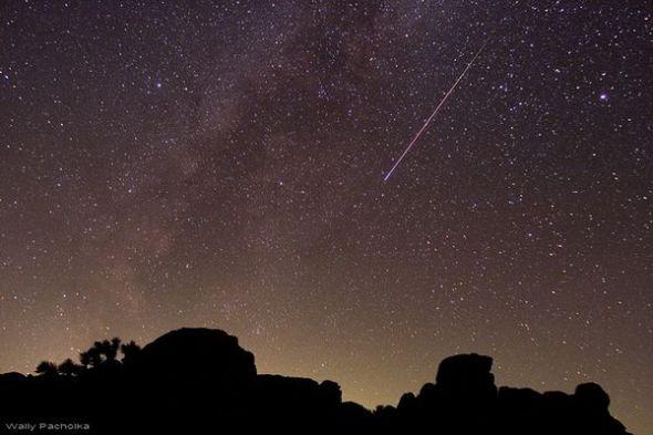 圖片:美國國家地理2010年十大太空發現-英仙座流星雨峰值