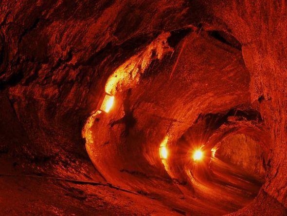 美國瑟斯頓熔岩洞