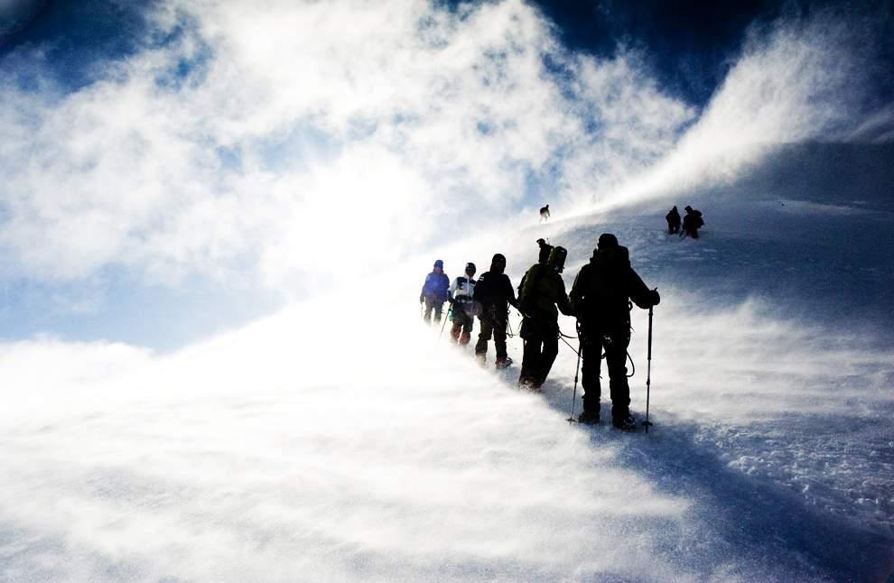 高清圖片:2010年美國國家地理攝影大賽作品-勃朗峰上遭遇風暴