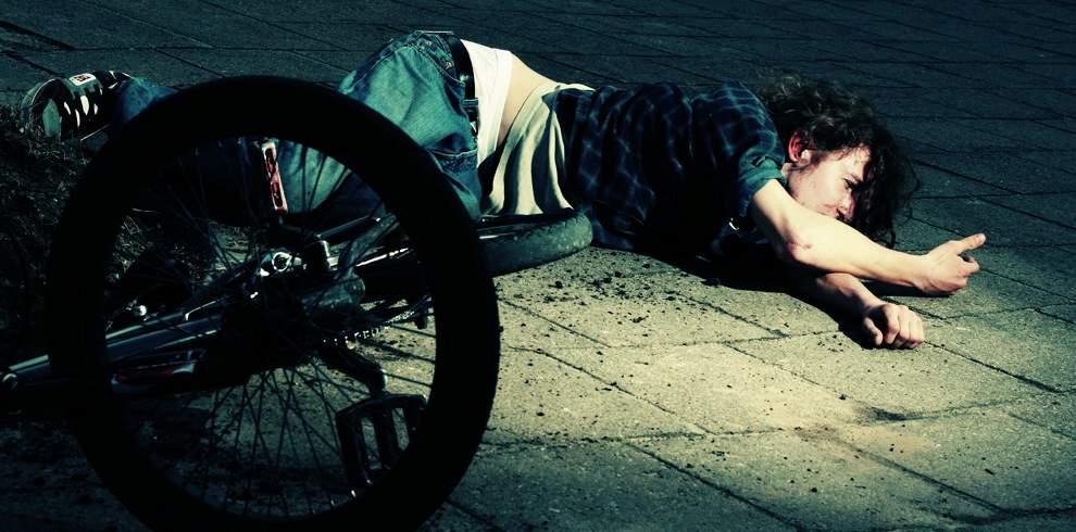 高清圖片:2010年美國國家地理攝影大賽作品-失手的自行車手