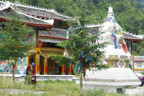 九寨溝圖片欣賞:藏族寨子1