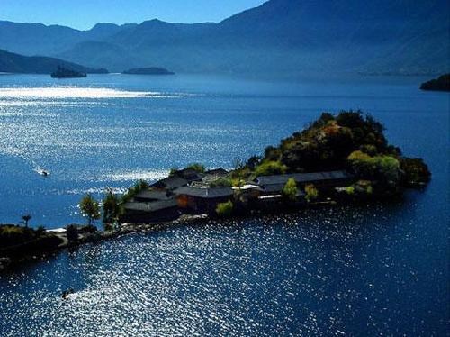 雲南瀘沽湖