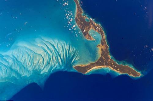 圖片:2002年,從太空拍攝美麗的巴哈馬群島